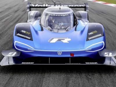 Volkswagen refuses to produce petrol sports cars in favor of electric ones.