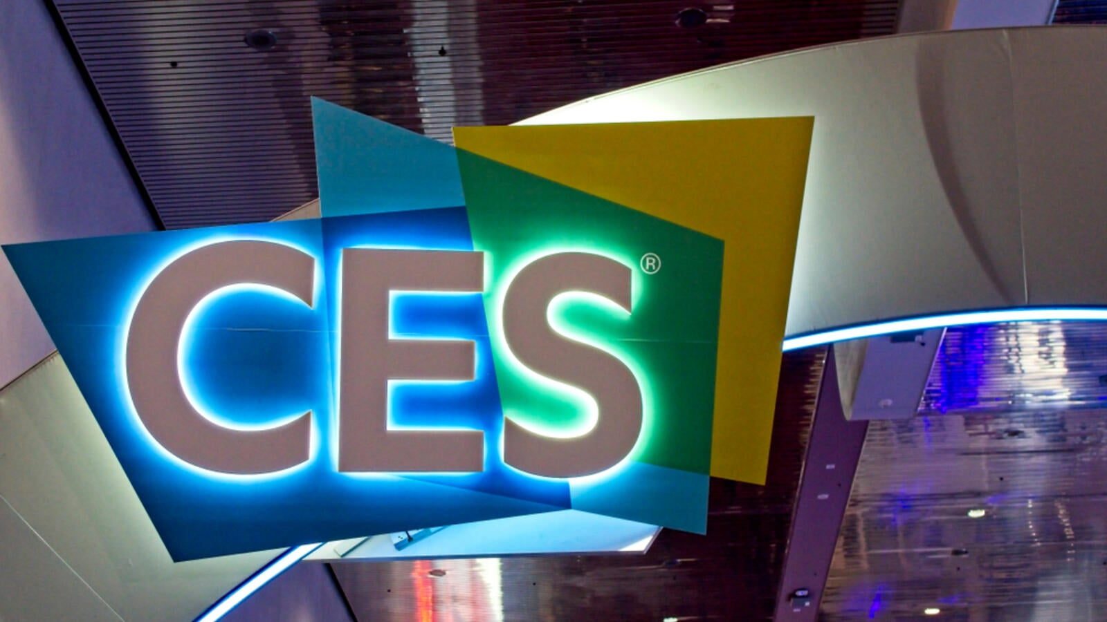 Tablet with a flexible display from Intel, smartphone with color E-Ink screen and other electronic innovations presented at the CES 2020 exhibition.
