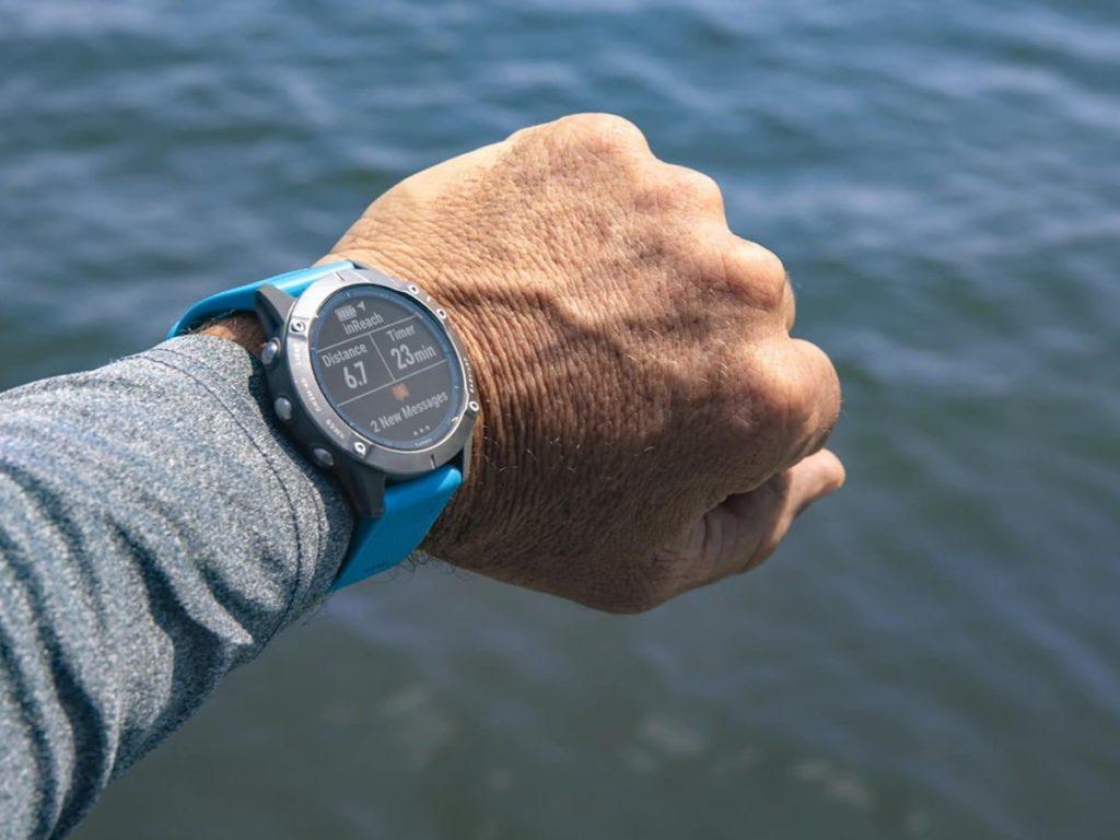 Garmin-quatix-6-Series-Multisport-GPS-Smartwatch-01-1200x900.jpg