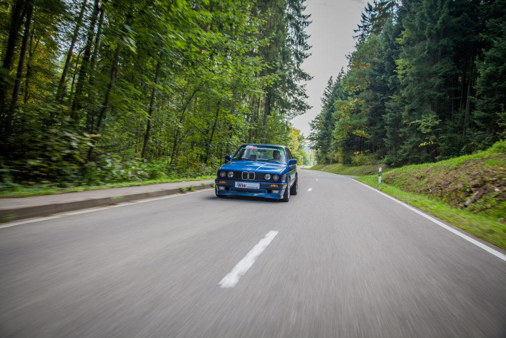 KW_Klassik_V3_BMW_E30_Fahraufnahme_006-1024x683.jpg