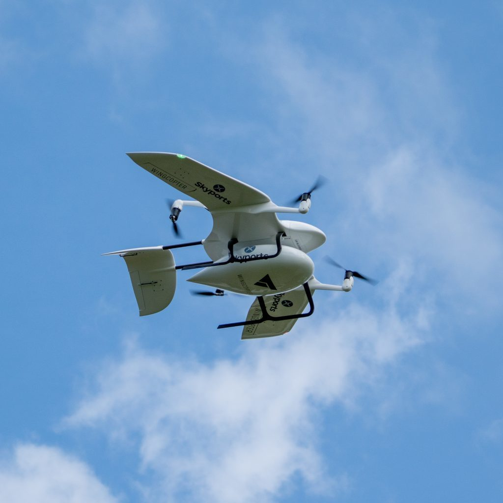 Skyports-delivery-drone-manufactured-by-Wingcopter-in-flight-underneath-Source-Skyports_-1024x1024.jpg