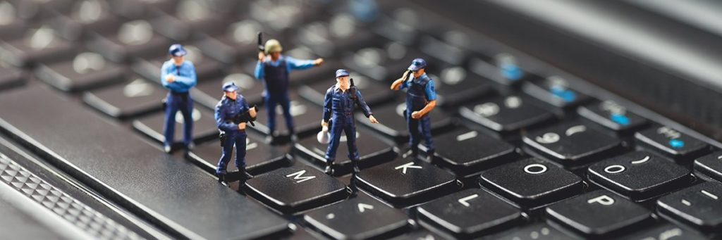 cybercrime-laptop-police-fotolia.jpg