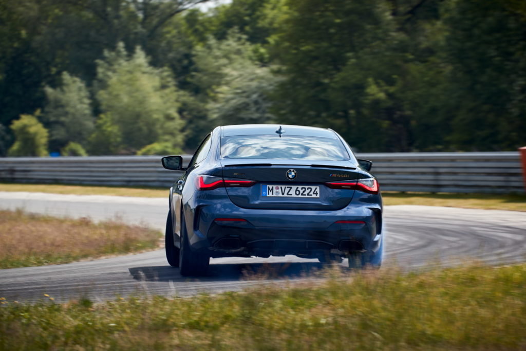 Digital-Premiere-for-the-new-BMW-4-Series-Coupe-13.jpg