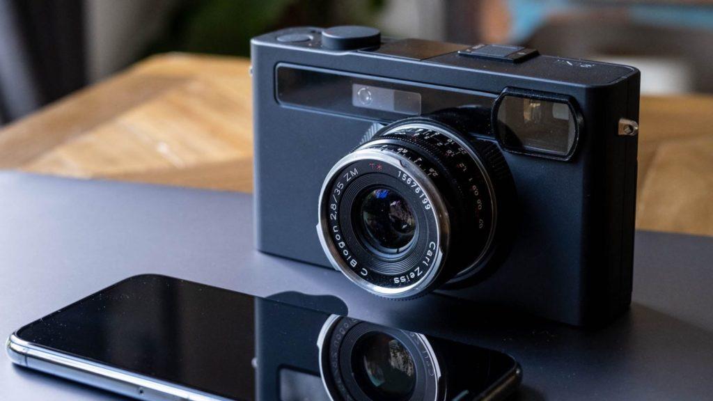 Pixii-A112-Digital-Rangefinder-Camera-01.jpg