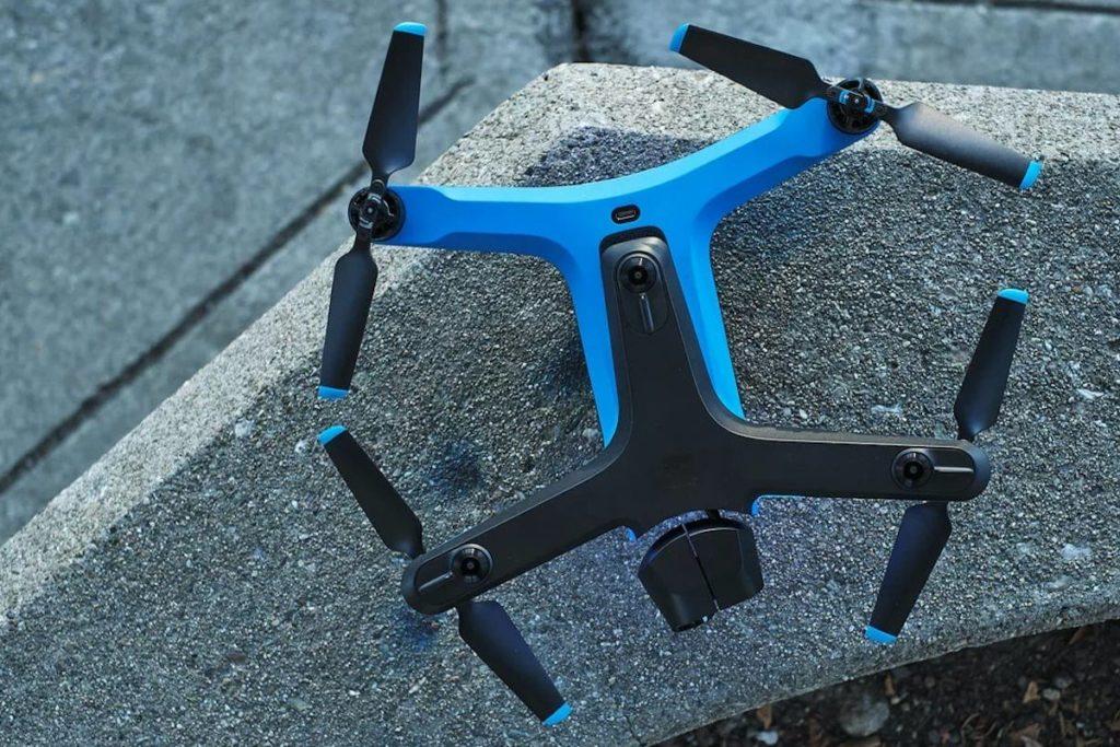 Skydio-2-Autonomous-Drone-01-1200x800.jpg