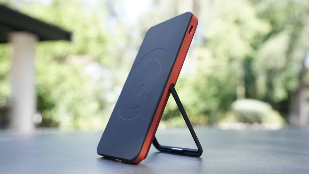 SoloQi-Wireless-Charger-Stand-Series-01.jpg