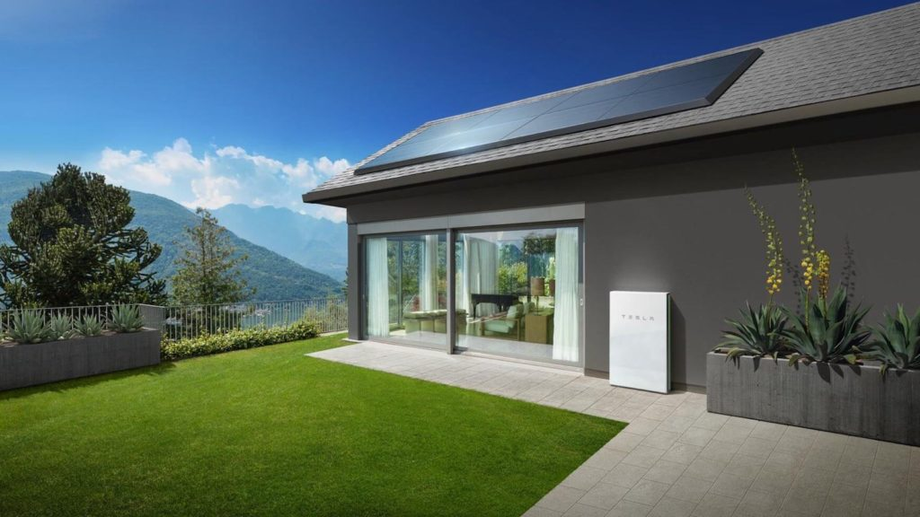 Teslar-Solar-Panels-Roof-Tiles-02.jpg