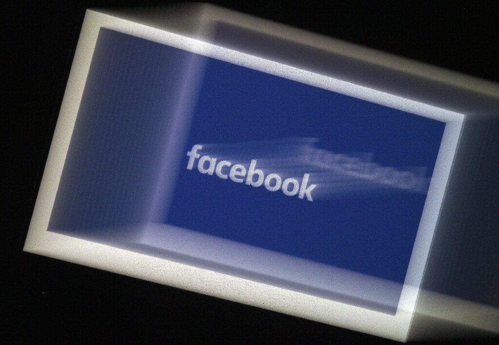 3-facebooksays.jpg