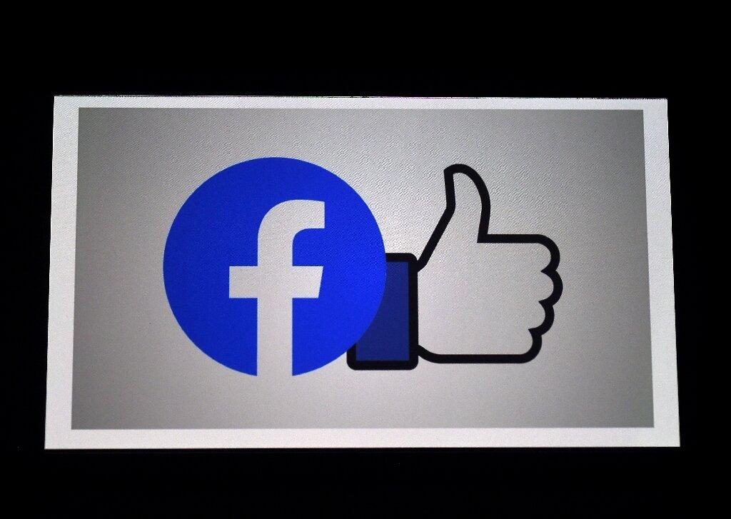 5-facebooksays.jpg