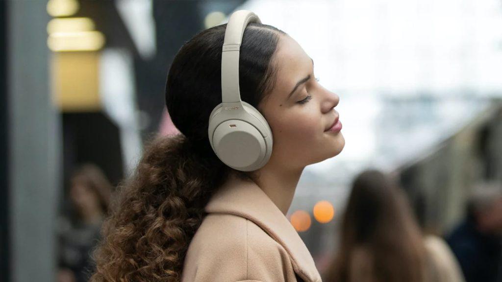 Sony-WH-1000X-M4-Noise-Canceling-Headphones-01.jpg