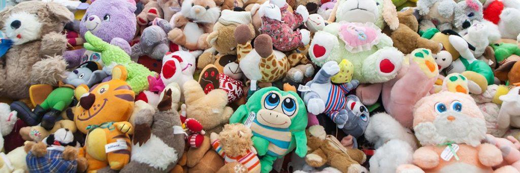 stuffed-cuddly-toys-bears-EmbreusMarko-adobe.jpg