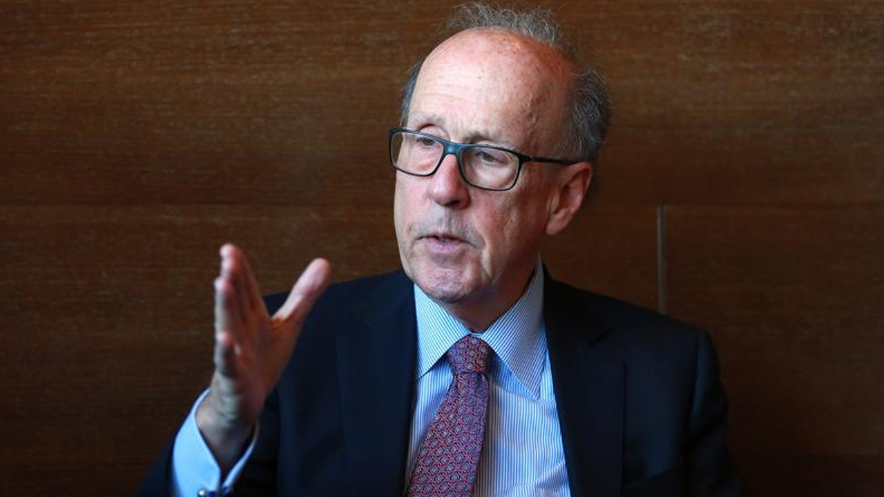 american-economist-stephen-roach-u-s-dollar-in-the-early-stages-of-sharp-decent.jpg