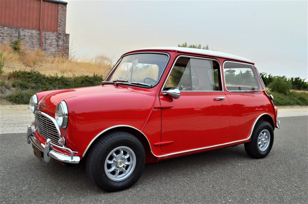 Classic-Mini-Cooper-S-1.jpg