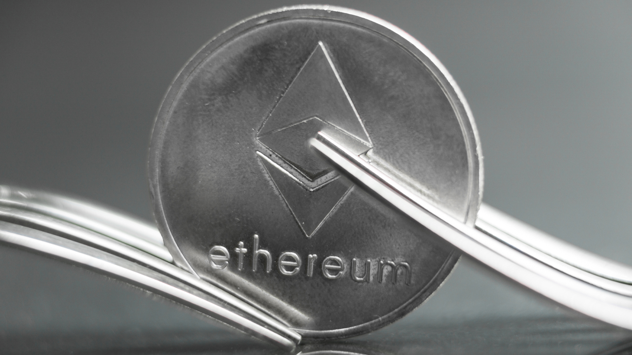 ethereum-suffers-from-unannounced-hard-fork-few-third-party-services-got-stuck-on-minority-chain.jpg