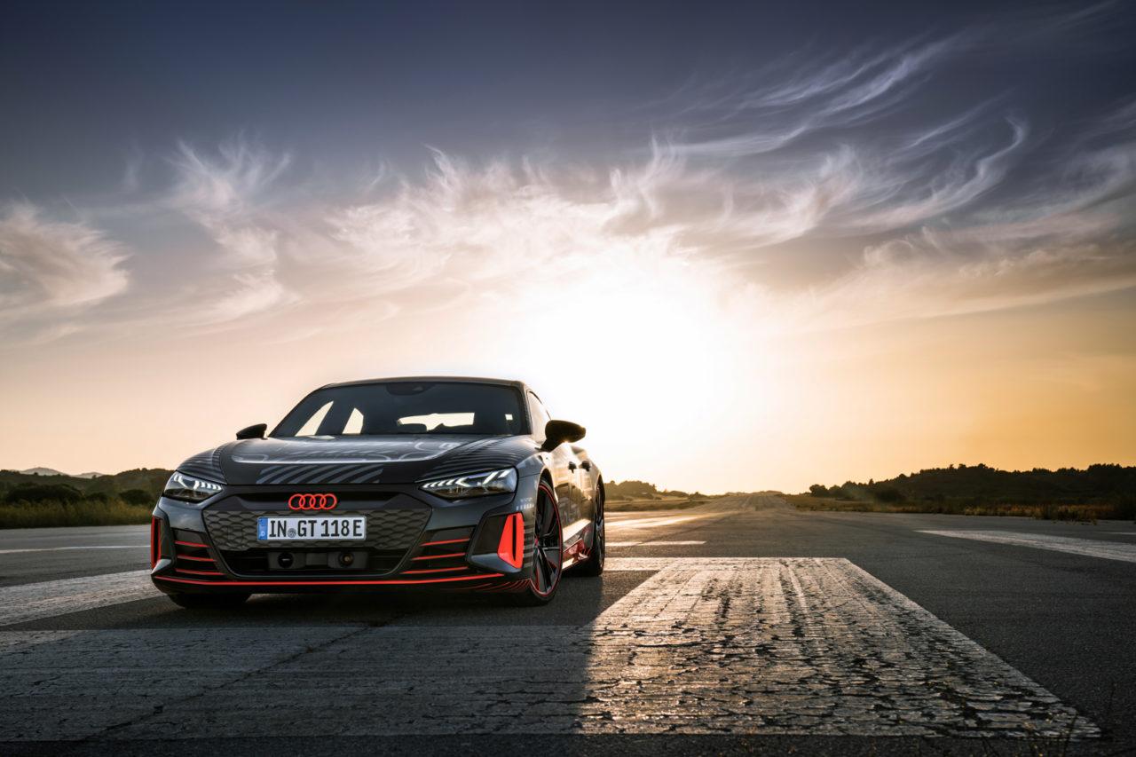 Audi-e-tron-GT-128-of-215.jpg