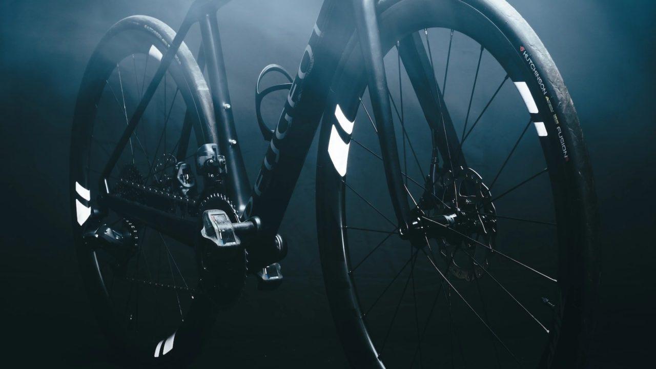 THE-BEAM-WHEEL-FLASH-2-0-High-Vis-Bike-Reflectors-02-1280x720.jpg