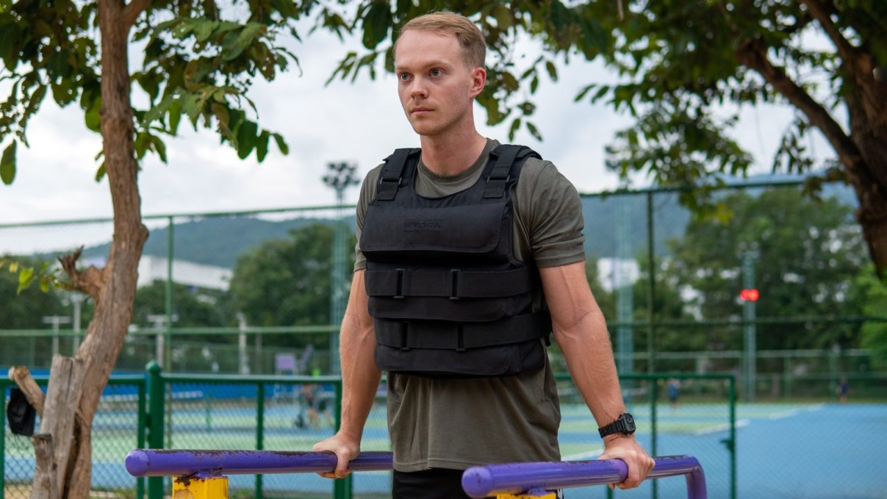 HydraTech-Portable-Water-Weighted-Training-Vest-01.jpeg
