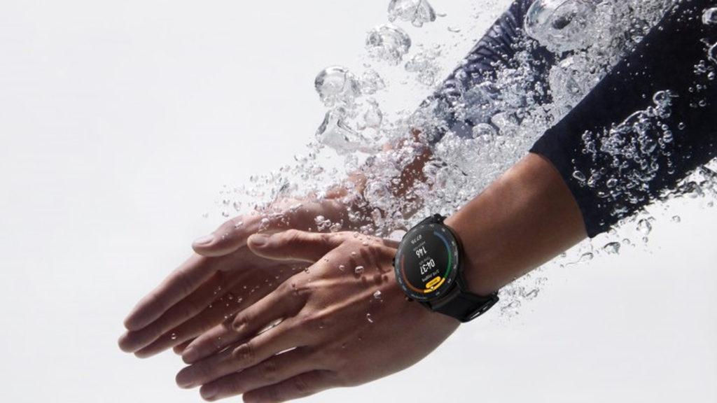 Huawei-smart-watch-for-swimmers-1024x576.jpg