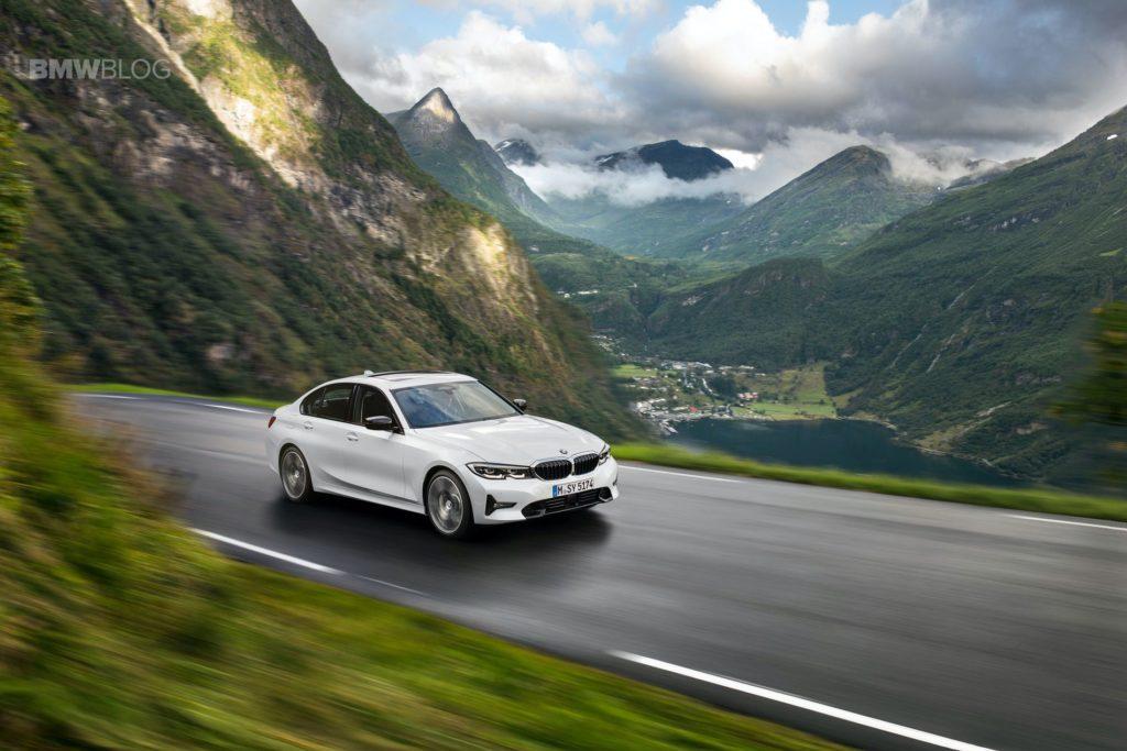 2019-BMW-330i-Sport-Line-01.jpg