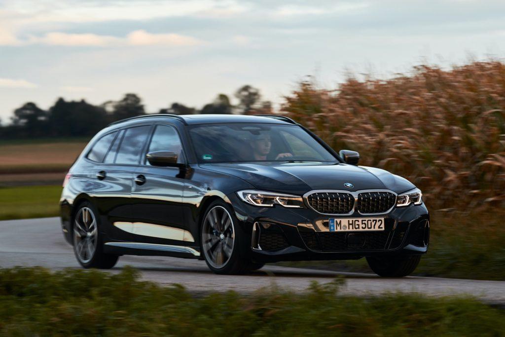 BMW-M340i-Touring-Black-Sapphire-20.jpg