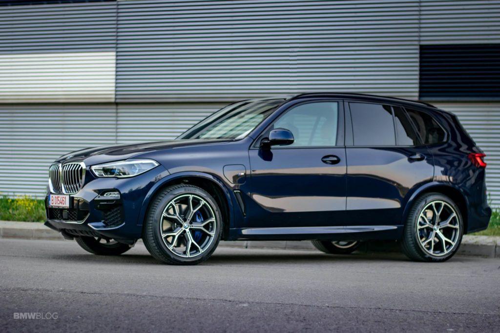 2020-BMW-X5-xDrive45e-Review-51.jpg