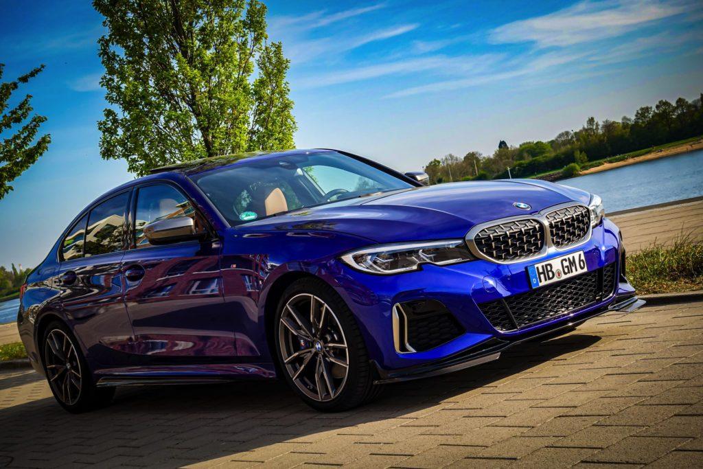 BMW-M340i-G20-Individual-San-Marino-Blau-01.jpg