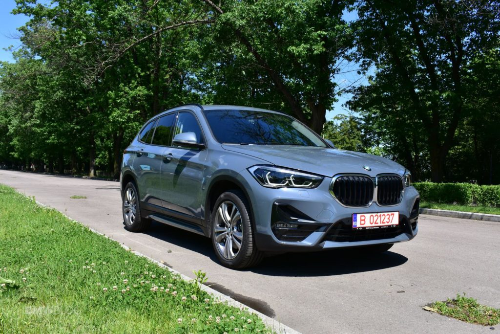 2020-BMW-X1-xDrive20i-23.jpg