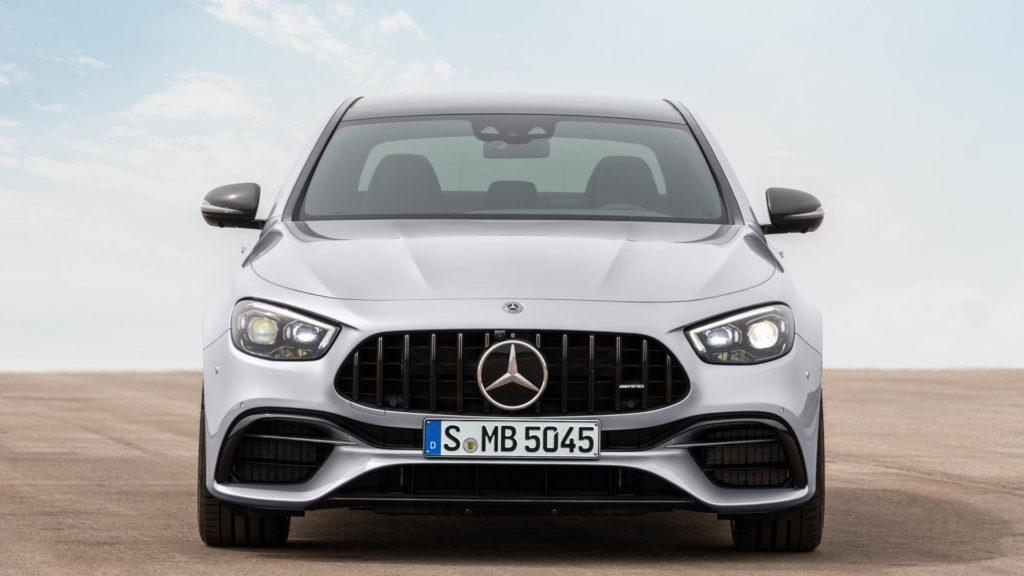 BMW-M5-LCI-vs-Mercedes-AMG-E63-3.jpg