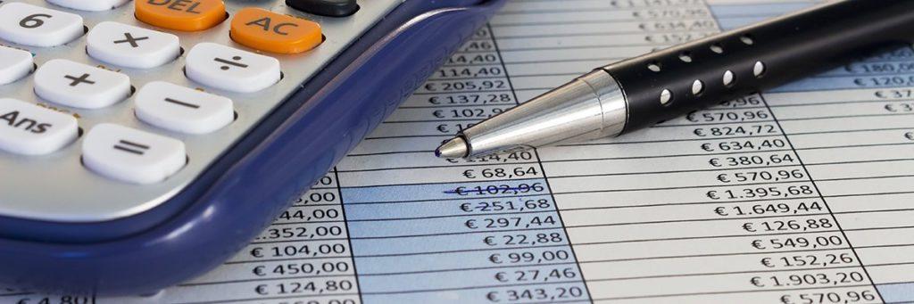 money-finance-spreadsheet-calculator-fotolia.jpg