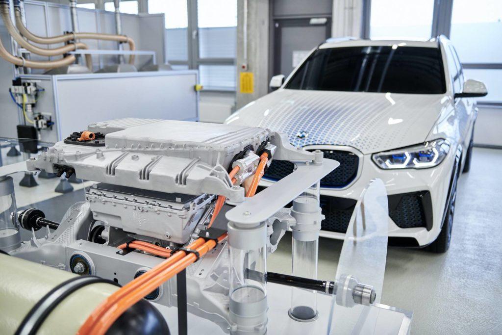 BMW-X5-fuel-cell-2022-01.jpg