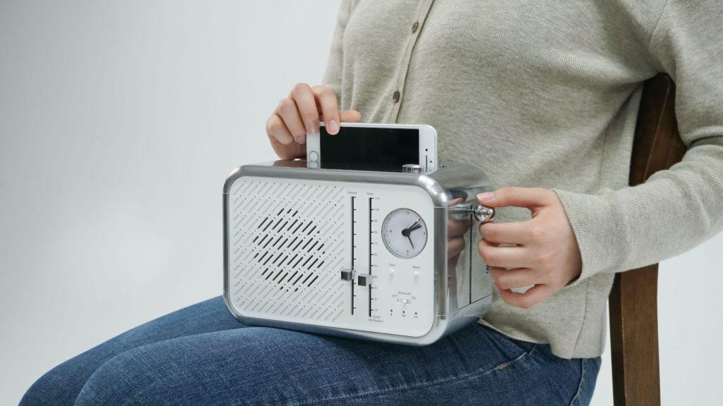 Phone-Toaster-Multipurpose-Smartphone-Sanitizer-01.jpg