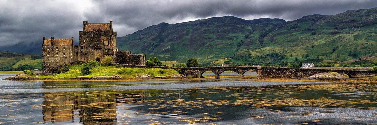 Scotland-Highlands-Eilean-Donan-Castle-fotolia.jpg