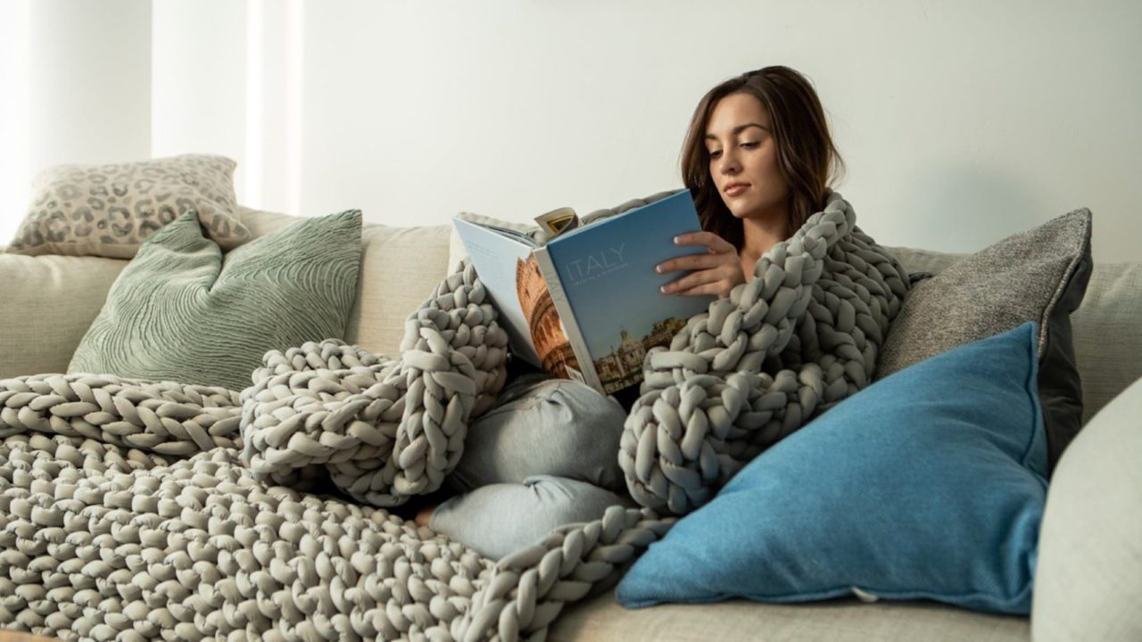 A-weighted-blanket-that-combats-insomnia-and-reduces-anxiety.jpg