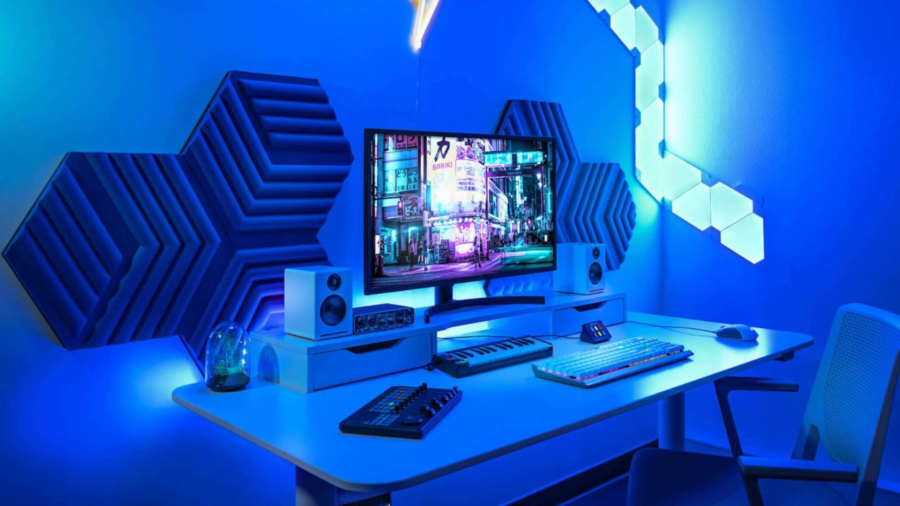 The-coolest-gadgets-for-the-geeks-in-your-life-featured-1280x720.jpeg