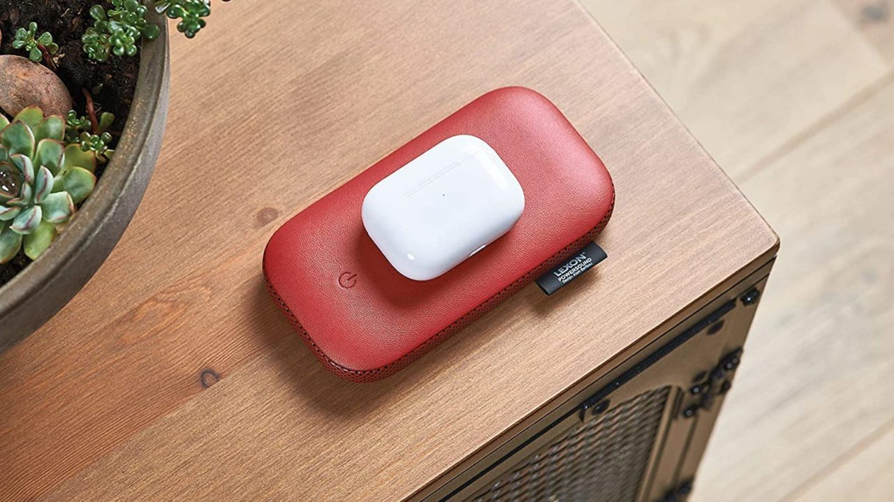Lexon-PowerSound-sleek-wireless-power-bank-02-1280x719.jpg