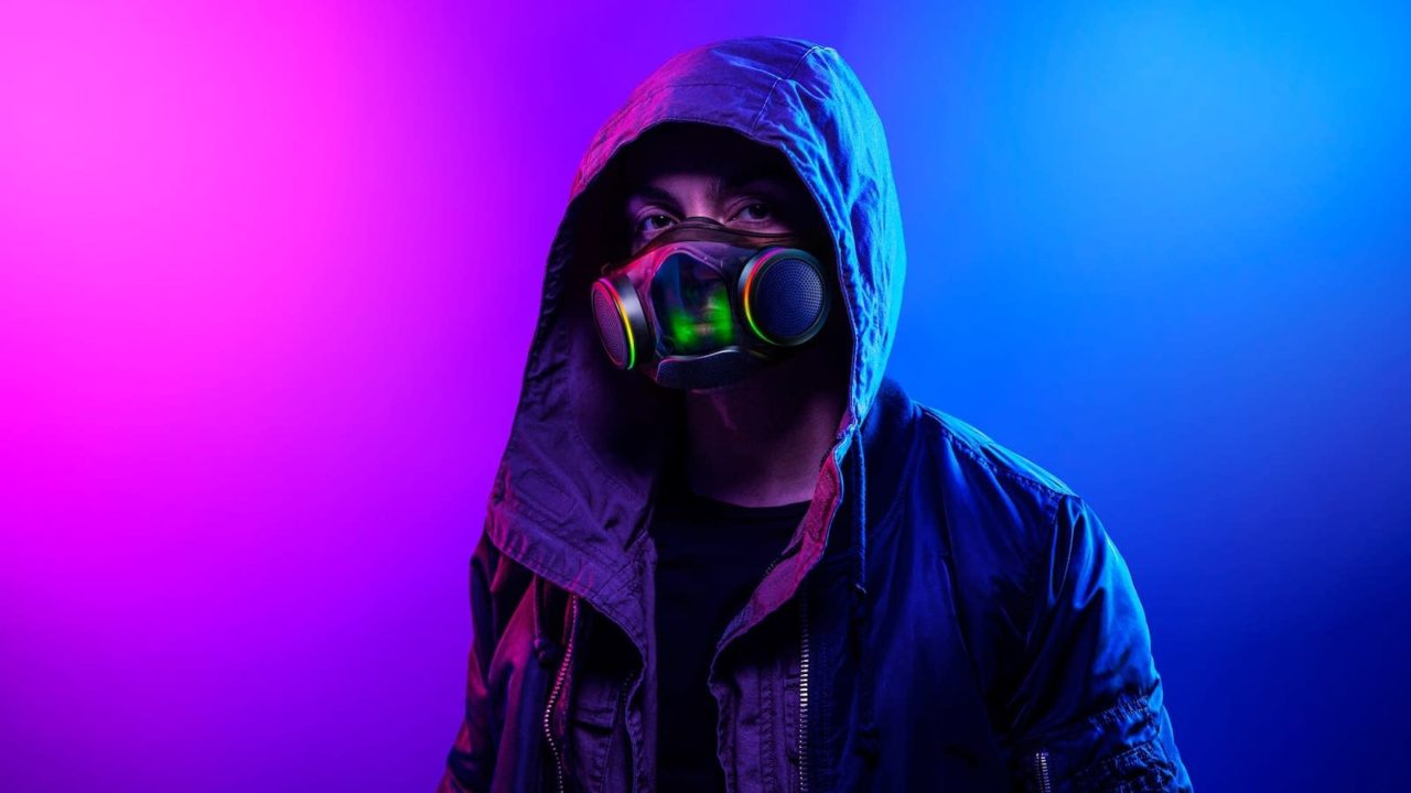 Razer-Zephyr-transparent-RGB-wearable-air-purifier-03-1280x720.jpeg